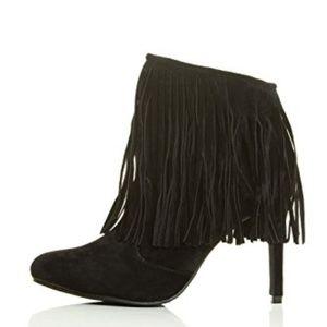 Chase + Chloe Shoes - NWT Chase & Chloe Carina Fringe Suede Bootie, 8